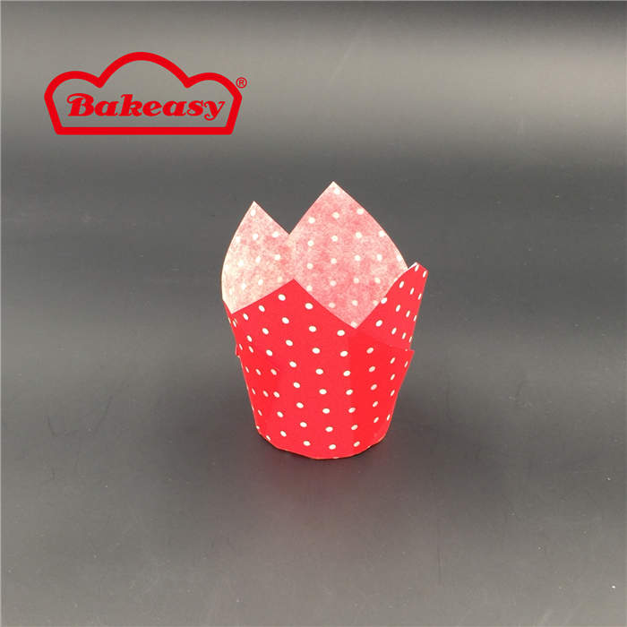 Tulip Baking Cups With White Spots